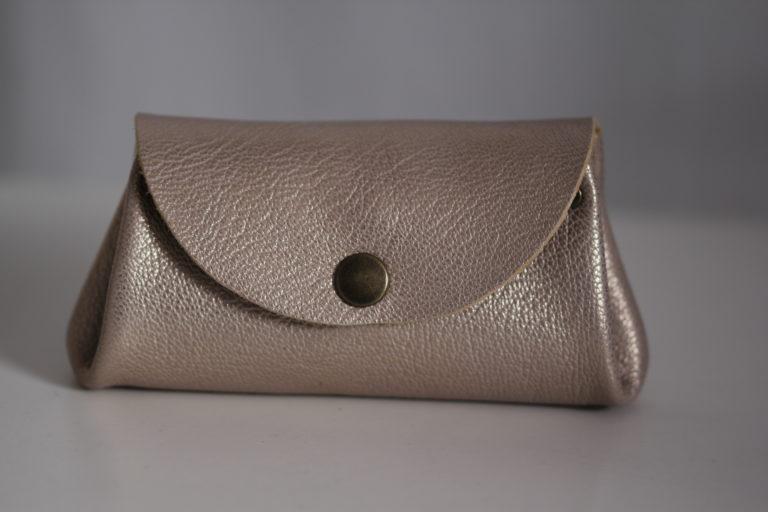 Compagnon à rabat cuir gris acier et nude {Cf.C 06] (12)